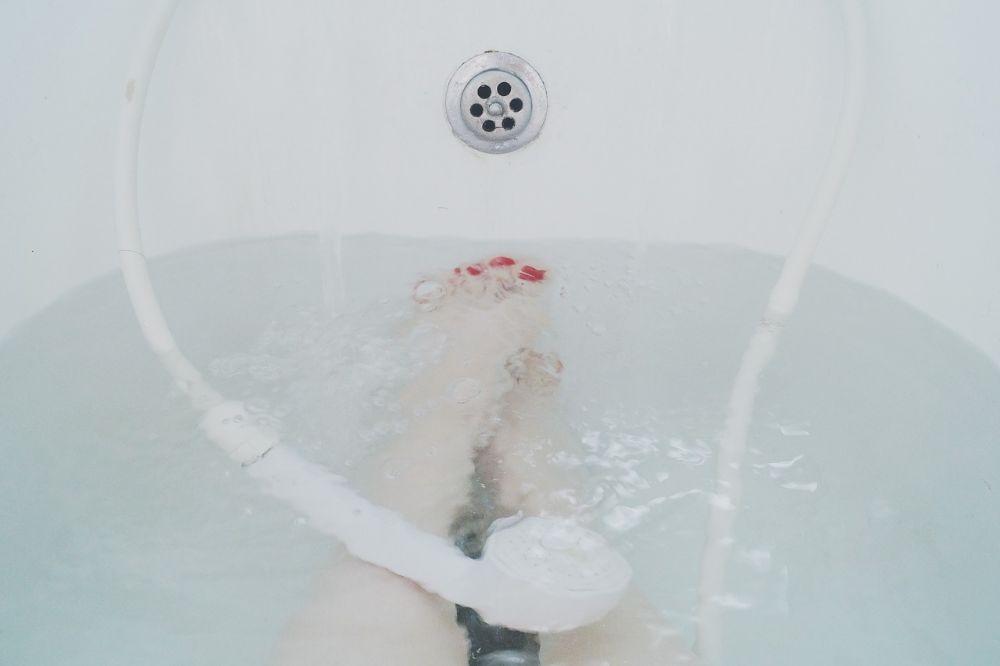 Slimme apparaten voor muziek in je badkame