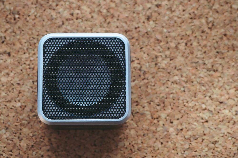 Slimme apparaten voor muziek in je badkamer