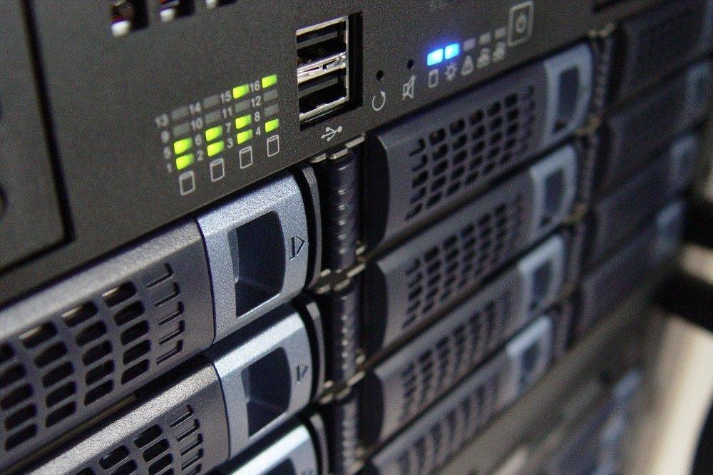 Koop of huur een nieuwe server de verschillen
